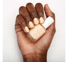 De perfecte peachy nude kleur van Essie! Feeling Wellies :) Essie swatch | essie nagellak | lente | zomer | nagellak | nailpolish | essie polish | peach | perzik kleur | Essie - Feeling Wellies - Make-Up Musthaves Essie Nail Colors, Essie Gel, Essie Nail Polish, Pastel Nail Polish, Pastel Nails, Sally Hansen Color Therapy, Couture Nails, Fancy Hands