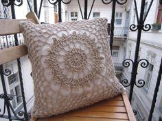 7 csodaszép horgolt párna – ilyet neked is be kell szerezned! Diy Wooden Projects, Wooden Diy, Crochet Bikini Pattern, Decor Logo, Crochet Pillow, Baby Art, Pillow Covers, Cushions, Throw Pillows