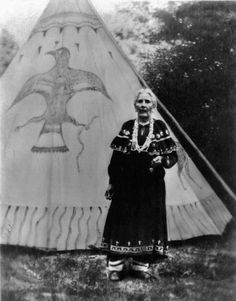 Tepee i wantvto make Native American Face Paint, Native American Wisdom, Native American Regalia, Native American Photos, Native American Women, American Indian Art, Native American History, Indian Art Gallery, Walk In The Spirit