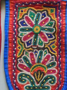 Hand Embroidery Designs, Vintage Embroidery, Kutch Work Saree, Bohemian Pattern, Mirror Work, Vintage Textiles, Mochi, Decoration, Textile Art