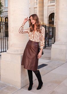 Sézane - hannah skirt beige skirt outfit, brown boots outfit, skirt out Beige Skirt Outfit, Skirt Outfits, Polyvore Outfits, Vogue Paris, Classy Outfits, Fall Outfits, Skirt Fashion, Fashion Outfits, Brown Leather Skirt