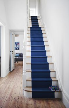 For a hallway that makes an impact, paint your staircase in a bold blue and leave walls neutral. These stairs are painted in Dulux Kellands Pond. Dulux colours available from Guthrie Bowron stores. Dulux White Paint, White Paints, Dulux Paint, Dulux Blue, Paint Color Chart, Wall Paint Colors, Idea Paint, Foyers, Interior Color Schemes