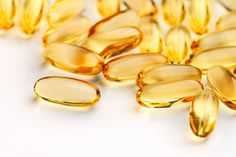 Evening Primrose Oil for Hormonal Acne. Take 1 Evening Primrose Oil supplement a day to balance out hormones and get rid of hormonal acne. Plus it helps with hair and nails! You can also use EPO topically to treat acne. Vitamin E Capsules, Cystic Acne Treatment, Acne Causes, Hormonal Acne, Vitamin E Oil, Vitamin E Uses, How To Get Rid Of Acne, Acne Remedies, Natural Treatments