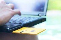 """Nascido para turbinar:O keepod se parece com um pen drive qualquer, daqueles usados para guardar documentos ou fotos,mas, inserido num computador ,  ele é ligado, o seu sistema interno o """"captura"""" e ele passa a rodar uma versão do sistema Android modificada pela equipe do projeto."""