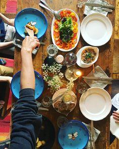 #familylunch #friends #sundayvibes #summer #easyliving #freshfood #goodfood #goodlife