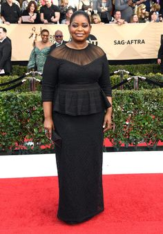 Octavia Spencer from SAG Awards Best Dressed Celebs The peplum top and sheer details of this incredibly age-appropriate Tadashi dress are really work for the Hidden Figures actress. Her Jacob African Print Dresses, African Print Fashion, African Fashion Dresses, African Dress, African Attire, African Wear, African Women, Big Girl Fashion, Curvy Fashion