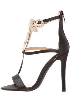 ¡Consigue este tipo de sandalias de piel de BEBO ahora! Haz clic para ver los detalles. Envíos gratis a toda España. BEBO DARBY Sandalias black: BEBO DARBY Sandalias black Zapatos   | Material exterior: raso, Material interior: cuero de imitación/tela, Suela: fibra sintética, Plantilla: cuero de imitación | Zapatos ¡Haz tu pedido   y disfruta de gastos de enví-o gratuitos! (sandalias de piel, cuero, leather, suede, ledersandalen, sandalias de piel, sandales en cuir, sandali in pelle, ...