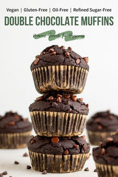 These moist and delicious vegan double chocolate bakery-style muffins contain only 11 ingredients and are also gluten-free, oil-free, and refined sugar-free! #veganbreakfast #brunch #veganbrunch #breakfast #vegetarianbreakfast #vegetarianbrunch #veganrecipes #vegetarianrecipes #vegan #vegetarian #oilfreerecipes #oilfree #oilfreebreakfast #glutenfree #glutenfreerecipes #glutenfreevegan #glutenfreeveganrecipes #refinedsugarfree #refinedsugarfreerecipes #glutenfreebreakfast #glutenfreebrunch Vegan Dessert Recipes, Vegan Breakfast Recipes, Vegan Sweets, Vegan Snacks, Gluten Free Desserts, Vegan Recipes Easy, Baking Recipes, Snack Recipes, Muffin Recipes