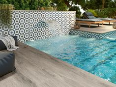 Fleur – Laure 6″x6″ Porcelain Waterline & Interior Floor Tile