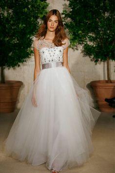 Stunning Oscar de la Renta Princess  Best Designer Wedding Dresses - Vera Wang & more (BridesMagazine.co.uk) (BridesMagazine.co.uk)