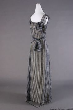 Evening dress by Mainbocher, 1933-1935, via The Henry Ford Costume Collection.