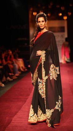Black saree #saree #sari #blouse #indian #hp #outfit #shaadi #bridal #fashion #style #desi #designer #wedding #gorgeous #beautiful