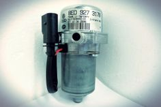 Bomba eléctrica ce vacuum (depresión) para Volkswagen PASSAT Y TOUAREG.  http://articulo.mercadolibre.com.ve/MLV-417448378-8e0927317b-bomba-electrica-de-vacuum-de-freno-vw-audi-_JM