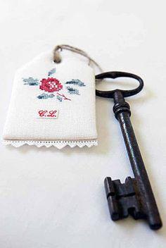 Etiquette-Yves.jpg #embroidery #finishing