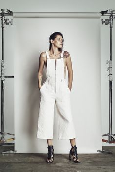 BCBG Max Azria Resort 2016 - Collection - Gallery - Style.com