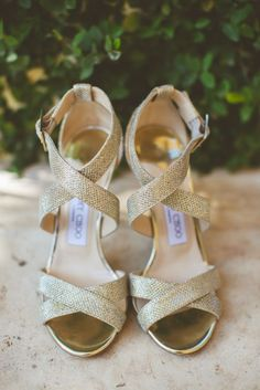 Sparkly Gold Jimmy Choo Bridal Shoes | Diana M. Lott Photography https://www.theknot.com/marketplace/diana-m-lott-photography-austin-tx-318425
