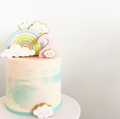 vind-ik-leuks, 13 reacties - spoonandfork_sydney op Cute clouds and pastel rainbow! Thank you hellonaomicakes for the recommendation Baby Girl Birthday Cake, Rainbow First Birthday, First Birthday Cakes, Birthday Kids, Unicorn Birthday, Cloud Cake, Bolo Cake, Girl Cakes, Cute Cakes