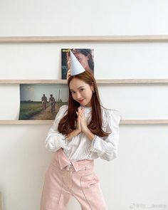 [SICABO] 200320 Jessica updated Weibo: Sy__Jessica: Just pretending it's my birthday Jessica & Krystal, Krystal Jung, Jessica Jung Fashion, Ex Girl, Snsd, Yoona, Ice Princess, Golden Star, American Singers