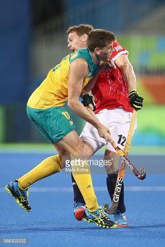 #RIO2016 Eddie Ockenden of Australia and Michael Hoare of Great Britain collide during the men's pool A match between Great Britain and Australia on Day 5 of...