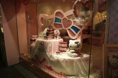 Hello Kitty Sweets:                   Sparkling window displays
