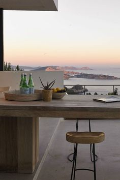 A place to share beautiful images of interior design, residential architecture and occasional other. Home Design, Design Ideas, Design Art, Modern Design, Design Inspiration, Exterior Design, Interior And Exterior, Dream Apartment, House Goals
