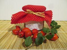 Csipkebogyó lekvár, hecsedli lekvár - igazi különlegesség - Háztartás Ma Strawberry, Fruit, Food, Meal, The Fruit, Eten, Strawberry Fruit, Meals, Strawberries