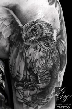 #tattoobestblackandgray #tattoorealistici #tattoobestblackandgray #bestoftheblackandgray #tattoocampania #tatuaggibiancoenero #migliore #londontattoo #tattoonaples #napolitattoo #londonartist #switzerlandtattoo #tattooswitzerland #suissetattoo #tattoosuisse #gufo #owl #animal #animale #tattooowl #owltattoo #tattoogufo #animaltattoo #tattooanimali #rapacetattoo #birdtattoo #tattoouccello #uccellotattoo #bird #uccello #pajaro #pajarotattoo