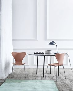 Series 7 Chair by Arne Jacobsen for Fritz Hansen - Residential Modern Dining Room, Chair Design, Furniture, Chair, Home, Interior, Danish Design, Nordic Design, Home Decor