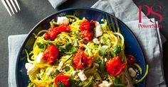 Noodles van courgette, of courgetti, een lekkere vervanger van pasta én een extra portie groenten.