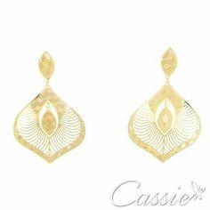Brinco Dome folheado a ouro com garantia.  Confira os outros modelos na loja: www.cassie.com.br ❤⚫⚫⚫⚫⚫⚫⚫⚫⚫⚫⚫❤ #Cassie #semijoias #acessórios #moda #fashion #estilo #inspiração #tendências #trends #brincos #aneldefalange #love #pulseirismo #zircônias #folheado #dourado #colar #pulseiras #berloques #coroa #charms #maxibrinco #anellove #diadosnamoradoschegando #⭐