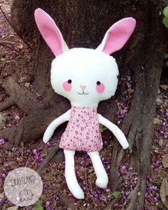 Bunny made of fabric using an original dolls and daydreams pattern Dolls And Daydreams, Fabric Dolls, Hello Kitty, Bunny, Felt, Pattern, Handmade, Character, Rabbit