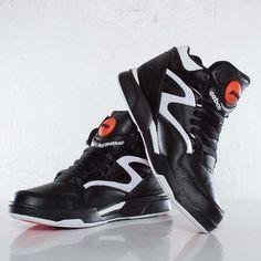 5a3d6a358e341 Reebok Pump Omni Lite - J15298 - Sneakersnstuff