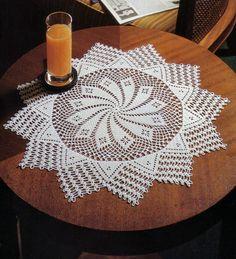 Салфетка крючком в форме звезды