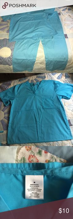 Walmart Generic Unisex Scrub Uniform Size Medium Generic V Neck Turquoise Unisex Scrub Uniform. Top only used twice, bottoms gently worn. Both top and bottom in great condition. Says that it is size medium, but runs pretty big. I am 5'4 and the bottoms are really long for me. Message me and I can give measurements. Bought at Walmart. Generic Other