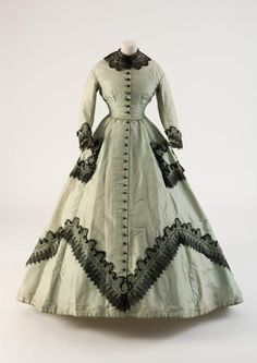 unknown country Light green silk dress with applied machine-made lace Fashion Museum Bath