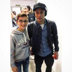 """fzneymar: """"17.02.2016 Neymar & Fan #repost #instagram @diegfersan """""""