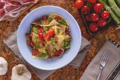 I maltagliati con fave e prosciutto crudo sono una ricetta primaverile, ideale…