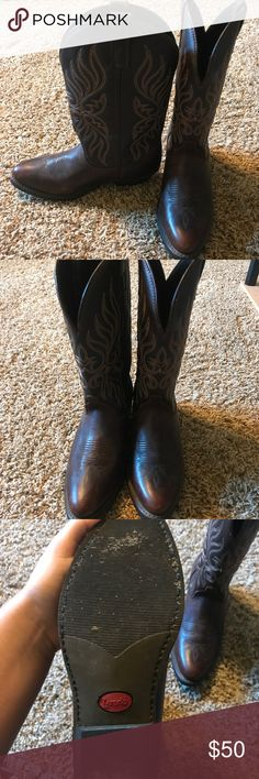 Laredo women's cowboy boots Worn once as you can see there is virtually no wear on the souls besides some dirt that can easily be removed. These have been sitting in my closet for years and I just decided to get rid of them no problems with them at all. Laredo Shoes Winter & Rain Boots