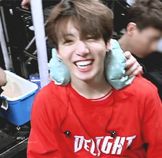The smile that makes my day brighter and makes my heart beat harder❤ #JUNGKOOK
