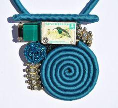 Statement necklace petroleum with medailllon di comivishop su Etsy