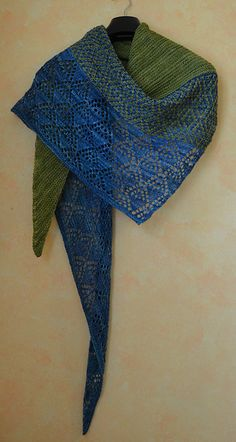 Laurelie by Lisa Hannes, knitted by Jarkaa | malabrigo Mechita in Lettuce and Pegaso