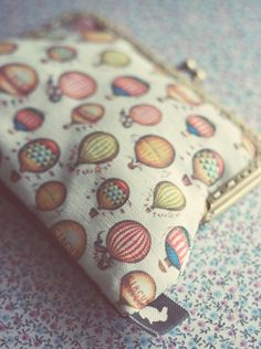 Vintage Balloon purse by ModernismAndVintage