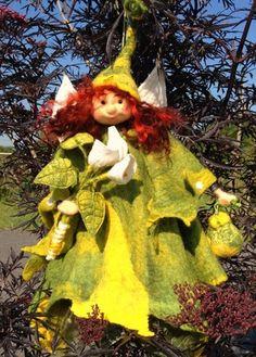 Felt Fairy Course Felt Fairy, Workshop, Textiles, Christmas Ornaments, Holiday Decor, Crafts, Atelier, Manualidades, Work Shop Garage