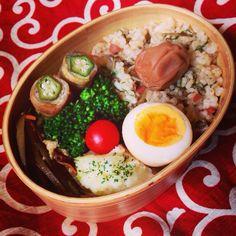 日本人のごはん/お弁当 Japanese meals/Bento 愛彼弁当◎子供さん用ならともかく男の人は足らんと思うわ(2つ要るで)