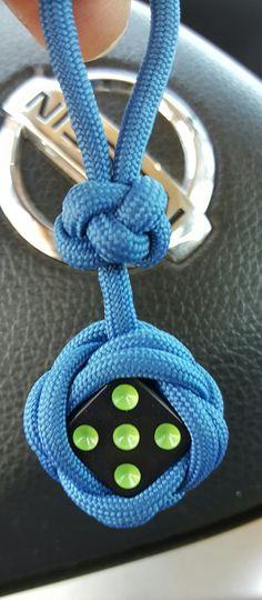 Paracord Celtic button knot over dice Keychain
