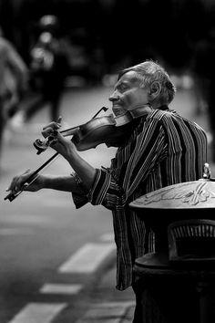 Living in poverty in the city '..By: Edmondo Senatore