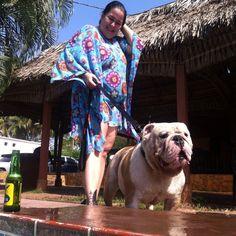 Mami y capo bulldog de poolday Venezuela