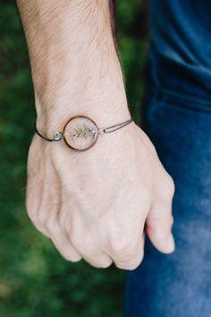 top 10 bracelets hommes au choix par CreationsBoiseesfr sur Etsy Half Circle, Stainless Steel Chain, Ring Bracelet, Bracelets For Men, Jewels, Form, Silver, Shape, Stained Glass