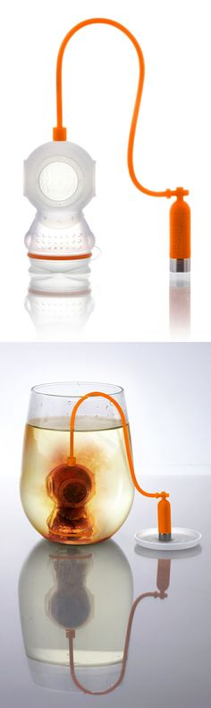 Diver Tea Infuser Diver Tea Leaf Filter and Infuser- I would drink more tea if I had one of these.Diver Tea Leaf Filter and Infuser- I would drink more tea if I had one of these. Leaf Filter, Buy Tea, Tea Infuser, Tea Accessories, Cacao, Cool Gadgets, Drinking Tea, Afternoon Tea, Tea Time