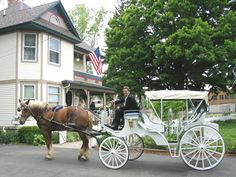 Holly Crossing Bed & Breakfast in Holly Michigan... Built in 1892, Rooms From 89.00-184.00. Visit the Historic Railroad Village.